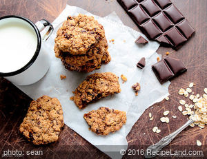Crunchy Buffalo Chip and Nut Cookies