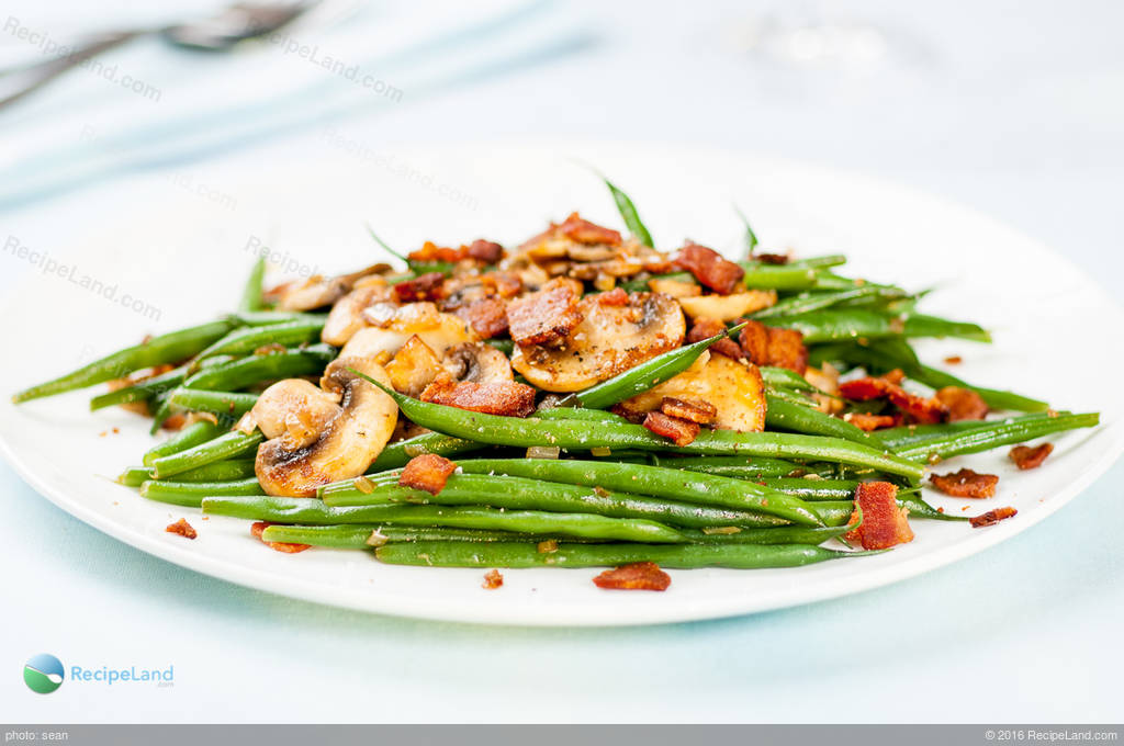 Green Beans and Bacon with Sautéed Mushrooms and Shallots ...