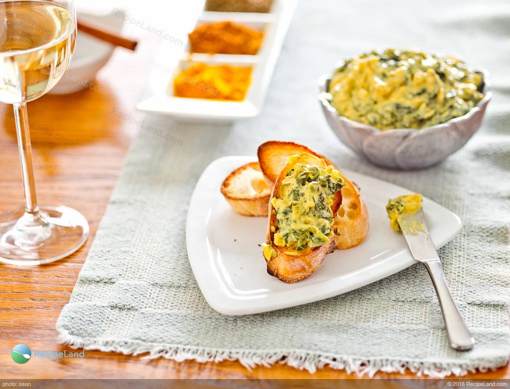 Borani Esfanaj (Spinach-Yogurt Salad or Dip) Recipe (metric)