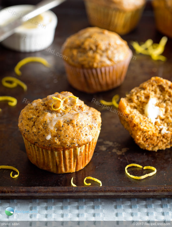 Amazing Lemon Poppyseed Muffins with Lemon Glaze