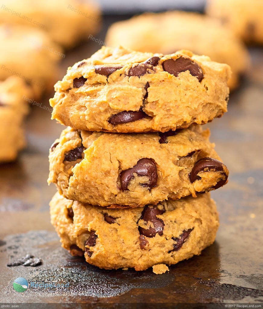Peanut Butter Chocolate Chip Cookies Made With Honey