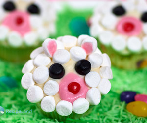 Easter Lamb Face Cupcakes