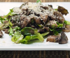 Mushroom and Mixed Greens salad