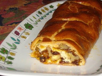 Moist Walnut and Raisin Strudel