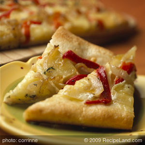 Baby Brie® Caramelized Pepper and Onion Pizza Recipe
