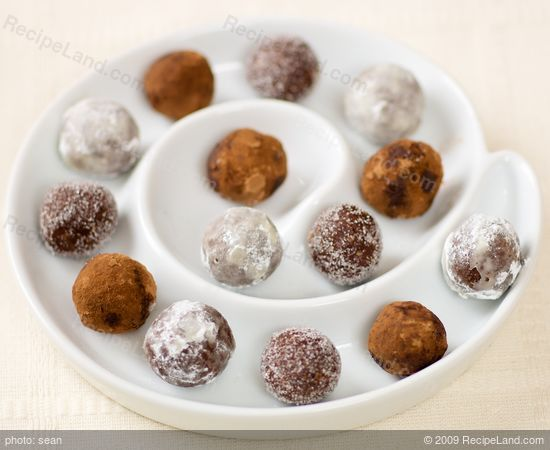 Holiday No Bake Rum Balls Recipe