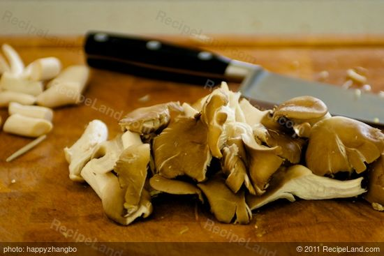 Prepare the oyster mushrooms.