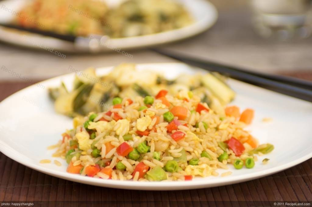 Chinese fried rice with bell pepper peas and carrots recipe chinese fried rice with bell pepper peas and carrots ccuart Image collections