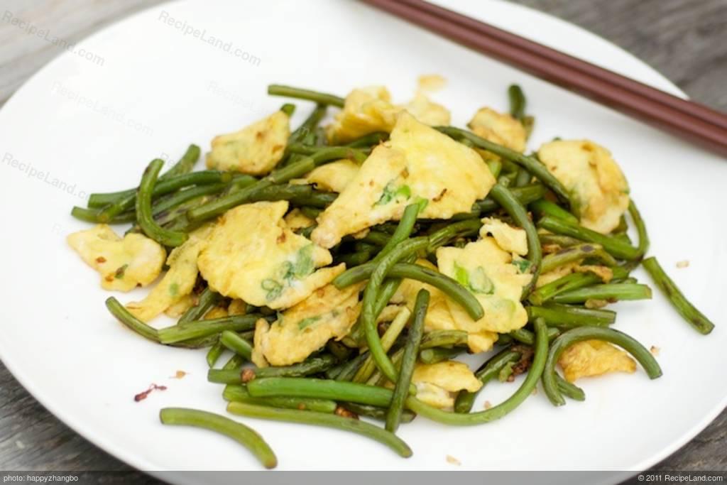 Garlic Scape Stir-fry with Scrambled Eggs Recipe