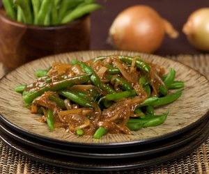 Green Beans in Spicy Miso Sauce