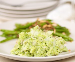 Cheesy Broccoli Mashed Potatoes