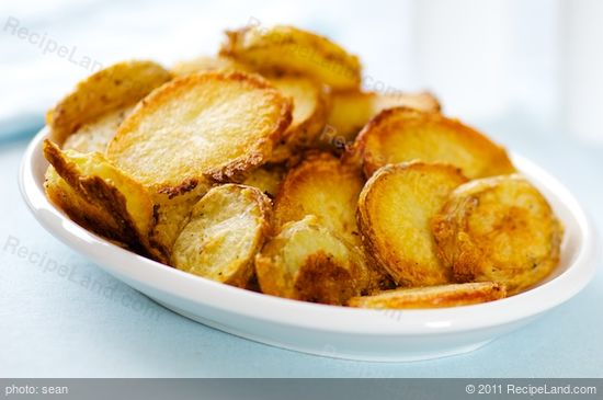 These roasted potato rounds are super crispy.
