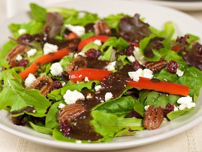 Mixed Green Salad with Pecans, Goat Cheese And Honey Mustard Vinaigrette
